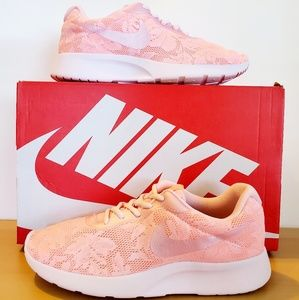 Womens Nike Tanjun Lace Prism Pink great condition